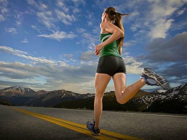 Lịch chạy bộ giảm cân trong 1 tháng chi tiết cho người mới bắt đầu