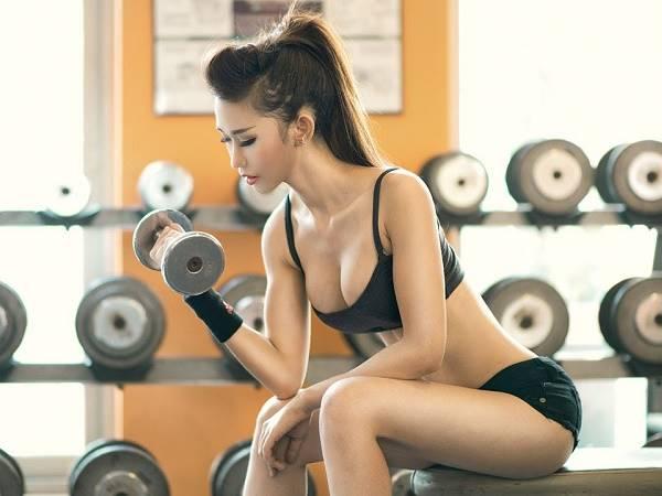 Cách hít thở khi tập tạ giúp tăng hiệu quả